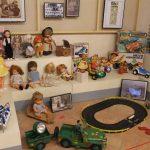 """Nules recopila records d'infància en l'exposició """"Jocs i joguets d'antany"""""""