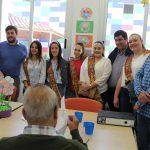 La Reina de la Vila y las damas visitan el Centro Respira y Alzheimer
